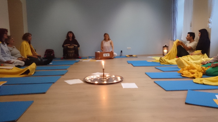 mantras bhajans wien